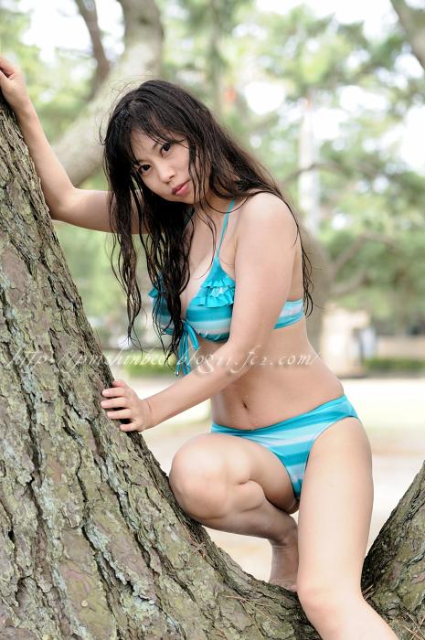 【おっぱい】大きなGカップバストを武器にグラビアモデル、タレントとして活動している木村優里ちゃんのおっぱい画像がエロすぎる!【30枚】