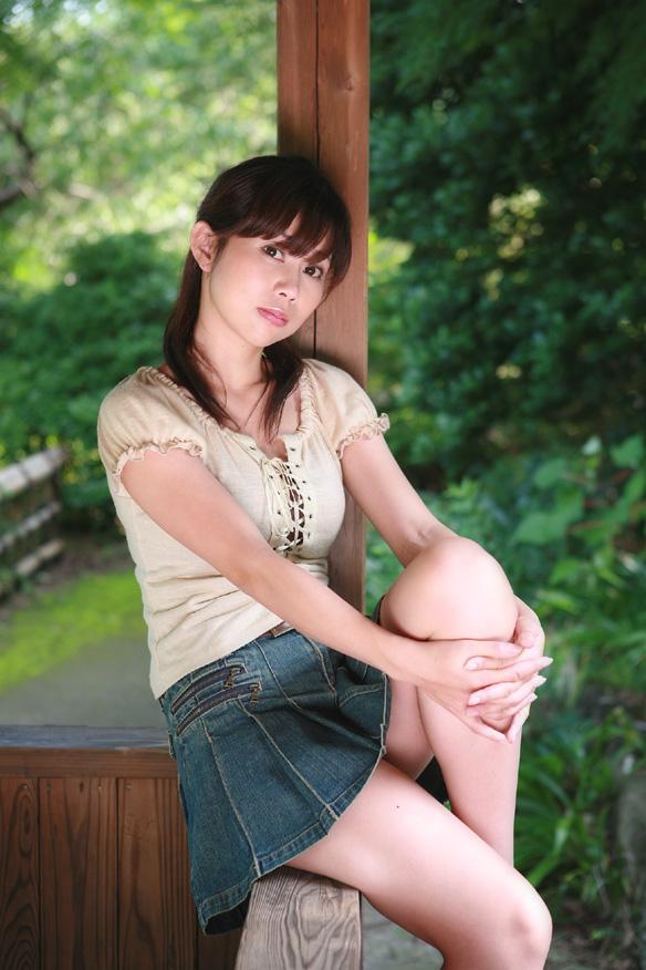 【おっぱい】大きなGカップバストを武器にグラビアモデル、タレントとして活動している木村優里ちゃんのおっぱい画像がエロすぎる!【30枚】 03