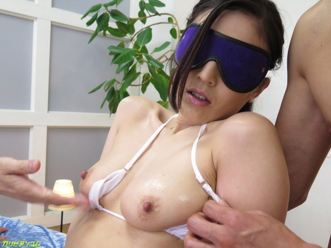 【おっぱい】目隠しされながら犯されちゃっている女の子のおっぱい画像がエロすぎる!【30枚】 16