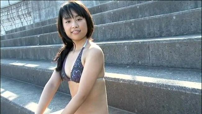 【おっぱい】むっちりしたボディとほんわかした笑顔がとってもいじらしく可愛いグラビアアイドルの黒沢リノちゃんのおっぱい画像がエロすぎる!【30枚】 22
