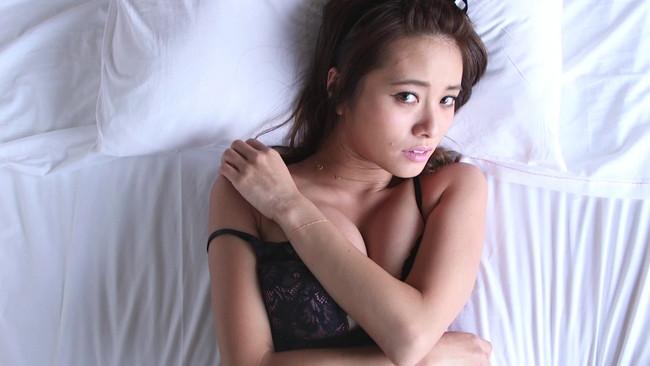 【おっぱい】スマートな美しさと少女のような可愛らしさを合わせ持った人気ファッションモデル、小泉梓ちゃんのおっぱい画像がエロすぎる!【30枚】 17
