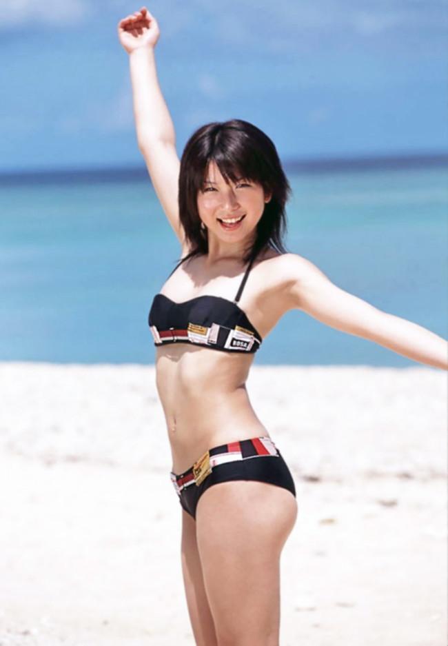 【おっぱい】キュートな魅力に大人っぽさが加わった「ゆりん」ことアイドルタレント・小島由利絵ちゃんのおっぱい画像がエロすぎる!【30枚】 13