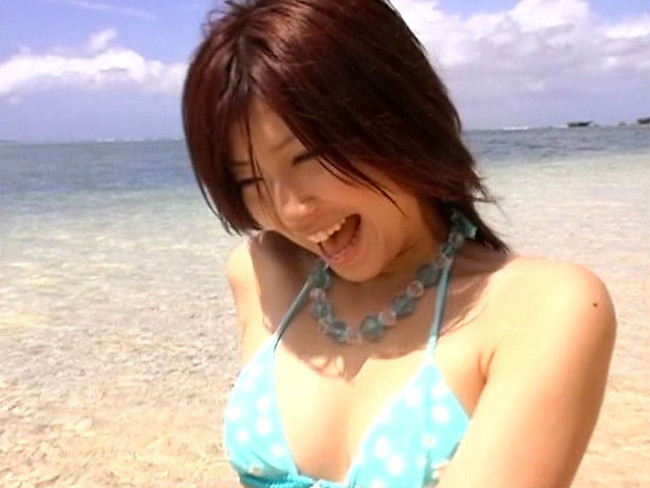 【おっぱい】キュートな魅力に大人っぽさが加わった「ゆりん」ことアイドルタレント・小島由利絵ちゃんのおっぱい画像がエロすぎる!【30枚】 19