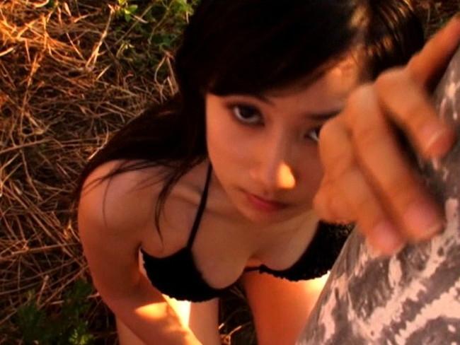 【おっぱい】ティーン雑誌の専属モデルを務めるなど、エビちゃん顔負けのキュートなルックスで大人気!小林優美ちゃんのおっぱい画像がエロすぎる!【30枚】 14