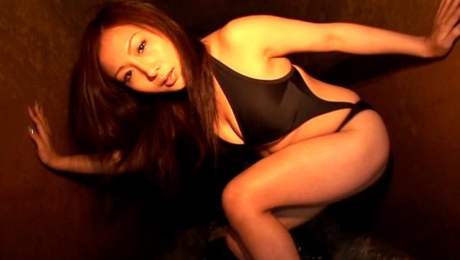 【おっぱい】2005年ミスヤングマガジンになるなど、華々しい経歴を持つHカップグラビアアイドル・小林ユリちゃんのおっぱい画像がエロすぎる!【30枚】 16