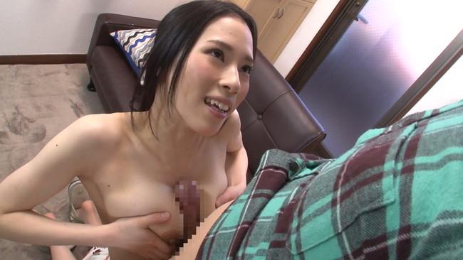 【おっぱい】ウブな上京大学生を襲ってしまう!マンションの隣の部屋に住む性欲過剰の肉食巨乳人妻さんたちのおっぱい画像がエロすぎる!【30枚】 11