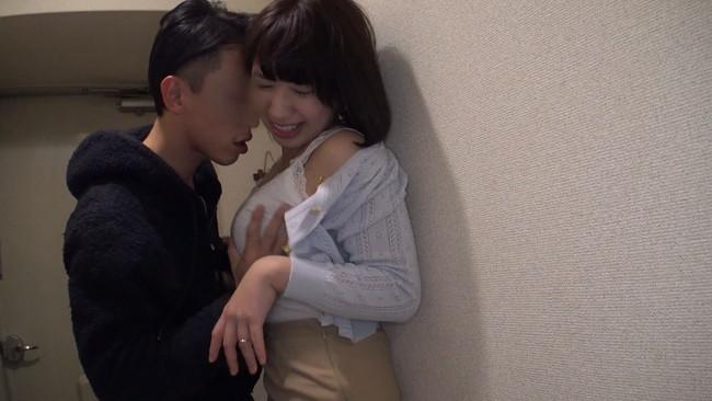 【おっぱい】自宅にお邪魔して旦那のいない間に寝取りセックスしちゃった大阪の素人人妻さんたちのおっぱい画像がエロすぎる!【30枚】 05