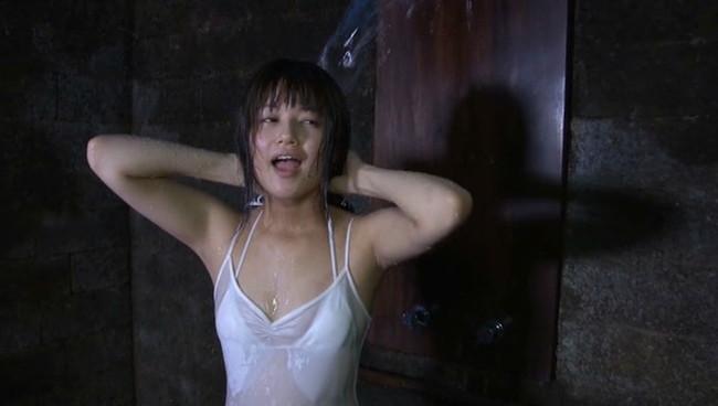 【おっぱい】元気いっぱいの制服姿から、水も滴るセクシーショットまで盛りだくさん!小林礼奈ちゃんのおっぱい画像がエロすぎる!【30枚】 28