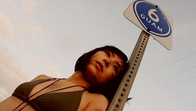 【おっぱい】「ミスマガジン2009」グランプリを受賞し、舞台やTVでも大活躍中の小林さりちゃんのおっぱい画像がエロすぎる!【30枚】 23