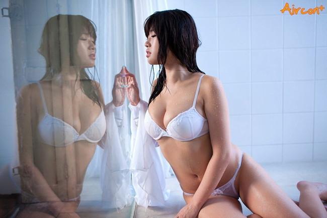【おっぱい】バスト94cm!Gカップ♪の巨乳なグラビアアイドル、櫻井りかちゃんのおっぱい画像がエロすぎる!【30枚】 27