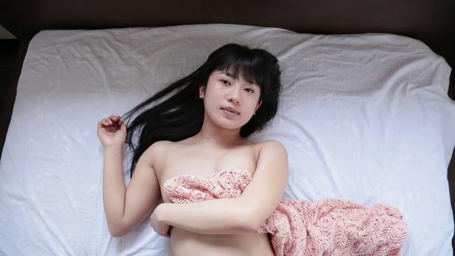 【おっぱい】プリプリっとしたカワイイ美少女!北海道生まれの正統派美少女グラビアアイドル・佐倉仁菜ちゃんのおっぱい画像がエロすぎる!【30枚】 12