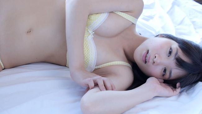 【おっぱい】整った顔立ちにふっくらバストと美脚が魅力なグラビアアイドル・佐々木絵里ちゃんのおっぱい画像がエロすぎる!【30枚】 09