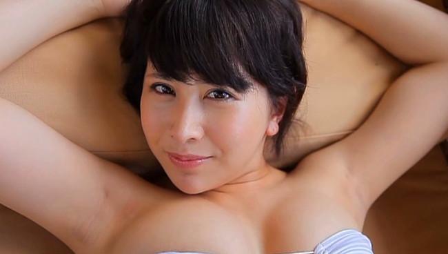 【おっぱい】舐めドルとして覚醒した注目の美少女Fカップ巨乳グラビアアイドル・咲丘るいちゃんのおっぱい画像がエロすぎる!【30枚】 23
