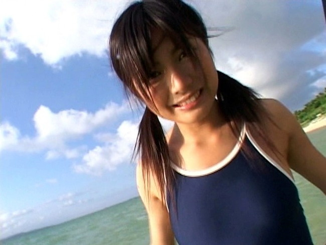 【おっぱい】清楚感漂う黒髪がとってもセクシーなグラビアアイドル・佐倉レイナちゃんのおっぱい画像がエロすぎる!【30枚】 22