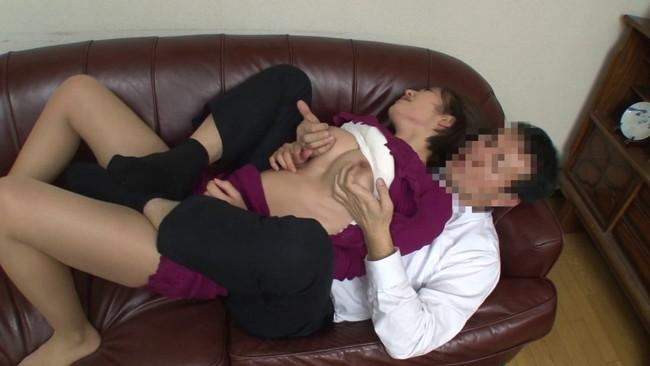 【おっぱい】乳揺れ狂い!膣奥を直撃する腕掴みバックで鬼突きされイキ堕ちる敏感な巨乳の女の子のおっぱい画像がエロすぎる!【30枚】 10