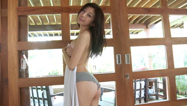 【おっぱい】SDN48元メンバーとして活躍していたモデル、タレントの尻無浜冴美ちゃんのおっぱい画像がエロすぎる!【30枚】 03