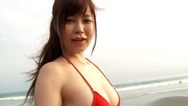 【おっぱい】Gカップの巨乳&スレンダーボディを持つ軌跡な美ボディグラドル!渋谷ゆりちゃんのおっぱい画像がエロすぎる!【30枚】 21