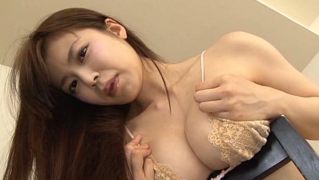 【おっぱい】Gカップの巨乳&スレンダーボディを持つ軌跡な美ボディグラドル!渋谷ゆりちゃんのおっぱい画像がエロすぎる!【30枚】 28
