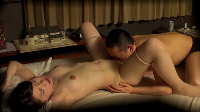 【おっぱい】恋愛相談に乗るフリをして我が家でセックス!相席居酒屋で知り合った綺麗な人妻さんたちのおっぱい画像がエロすぎる!【30枚】 06