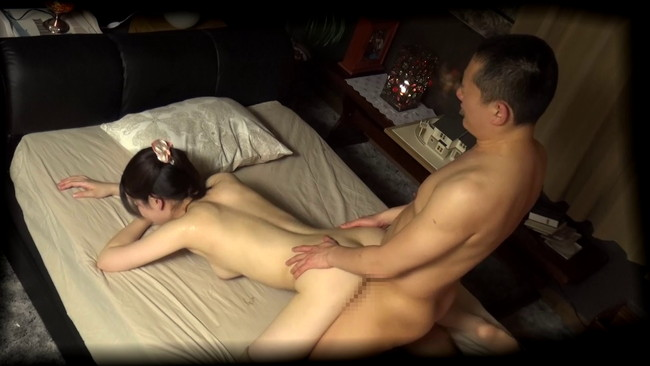【おっぱい】恋愛相談に乗るフリをして我が家でセックス!相席居酒屋で知り合った綺麗な人妻さんたちのおっぱい画像がエロすぎる!【30枚】 27