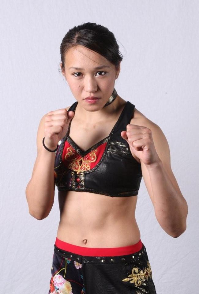 【おっぱい】元キックボクサー、総合格闘家、日本の女性プロレスラーと大活躍している、朱里ちゃんのおっぱい画像がエロすぎる!【30枚】 25
