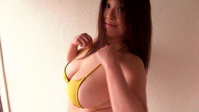 【おっぱい】1度体を交わせばその柔らかでふくよかな彼女から離れられなくなる!人気爆乳熟女・白鳥寿美礼さんのおっぱい画像がエロすぎる!【30枚】 11
