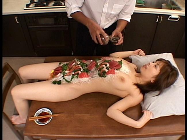 【おっぱい】女体盛りでお料理と一緒に運ばれてきちゃった女の子のおっぱい画像がエロすぎる!【30枚】 26