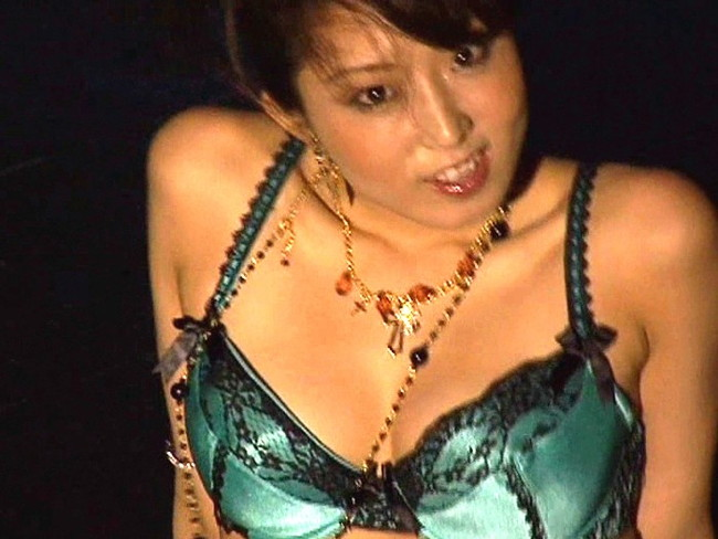 【おっぱい】小柄な体に大きな92センチバストとCDデビューもしているグラビアアイドル・関川理沙ちゃんのおっぱい画像がエロすぎる!【30枚】 07