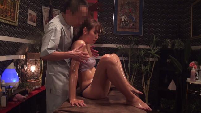 【おっぱい】媚薬のフルコースで痙攣し、腰を突き上げ何度もイキ狂い!発狂媚薬エステに通う美乳な若妻さんたちのおっぱい画像がエロすぎる!【30枚】 05