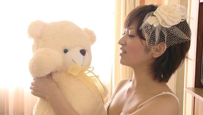 【おっぱい】元気キャラだけではなく、大人のフェロモンまで見せてくれるグラビアアイドル・田中涼子ちゃんのおっぱい画像がエロすぎる!【30枚】 25