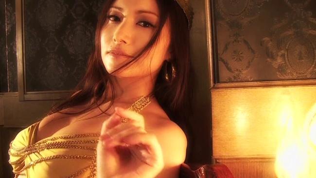 【おっぱい】声も表情も、もちろんおっぱいもエロすぎる!大人気女性声優・たかはし智秋さんのおっぱい画像がエロすぎる!【30枚】 04