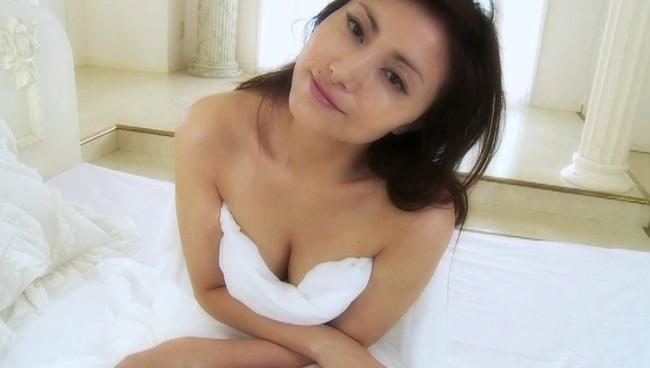 【おっぱい】声も表情も、もちろんおっぱいもエロすぎる!大人気女性声優・たかはし智秋さんのおっぱい画像がエロすぎる!【30枚】 17