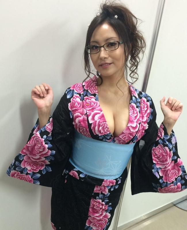 【おっぱい】声も表情も、もちろんおっぱいもエロすぎる!大人気女性声優・たかはし智秋さんのおっぱい画像がエロすぎる!【30枚】 22