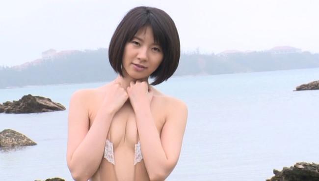 【おっぱい】モデルさんのようなスラッとしたスレンダーボディがとても美しいグラビアアイドル・橘さりちゃんのおっぱい画像がエロすぎる!【30枚】 16