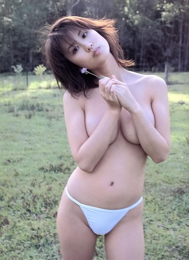 【おっぱい】セクシーなグラビアを披露して話題になった巨乳グラビアアイドル・伊達あいちゃんのおっぱい画像がエロすぎる!【30枚】 18