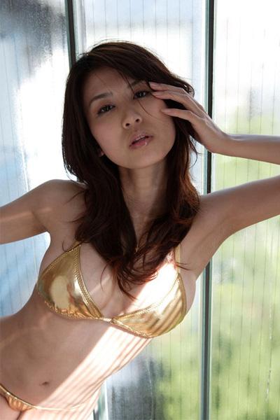 【おっぱい】セクシーなグラビアを披露して話題になった巨乳グラビアアイドル・伊達あいちゃんのおっぱい画像がエロすぎる!【30枚】 25