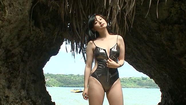 【おっぱい】グラビアやTV番組にとどまらず、舞台女優や本格的歌手としても活躍する時田愛梨ちゃんのおっぱい画像がエロすぎる!【30枚】 18