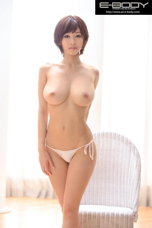 【おっぱい】大きくて美しく形が整った女の子のおっぱい画像がエロすぎる!【30枚】 29