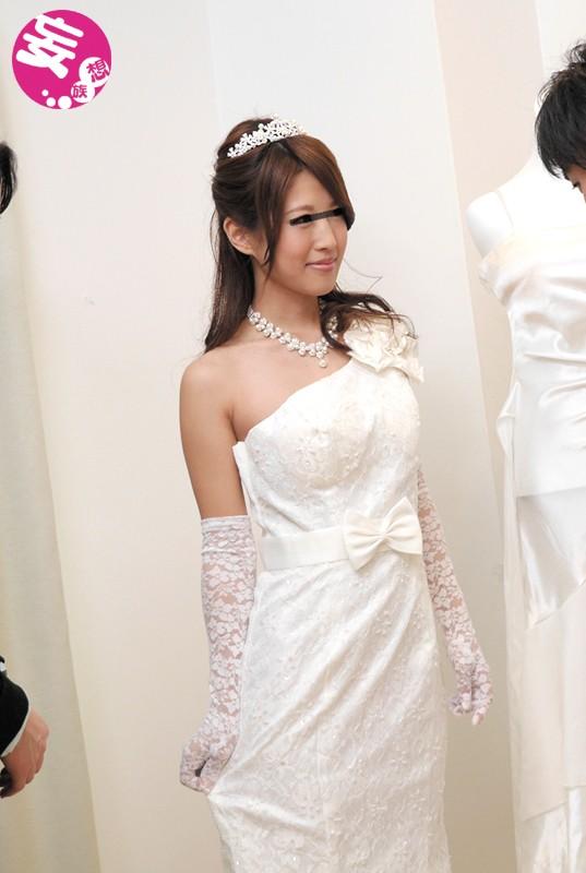 【おっぱい】ウェディングドレスを着たままエッチなことをしちゃっている女の子のおっぱい画像がエロすぎる!【30枚】 10
