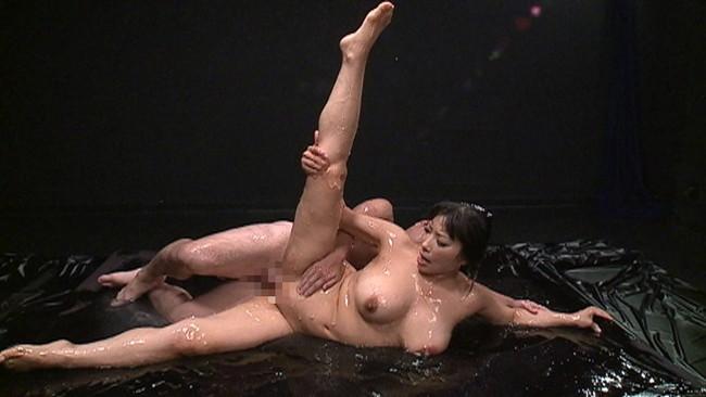 【おっぱい】体が究極に柔らかい軟体動物のような女の子のおっぱい画像がエロすぎる!【30枚】 20