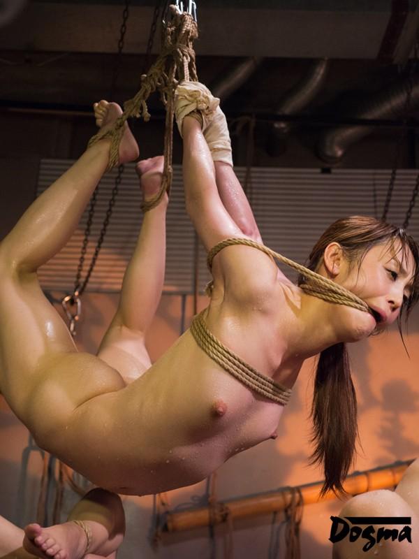 【おっぱい】屈辱な拷問をされ続ける女性のおっぱい画像がエロすぎる!【30枚】 05