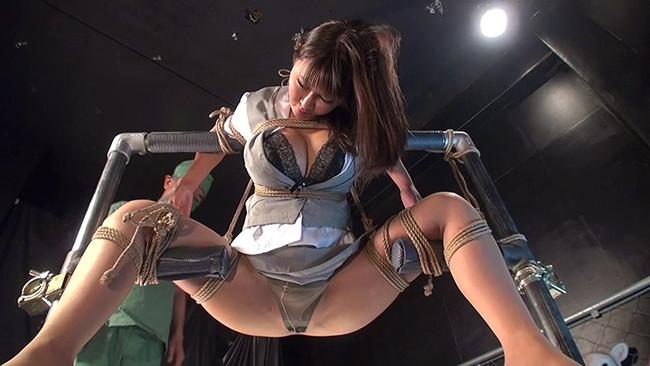 【おっぱい】屈辱な拷問をされ続ける女性のおっぱい画像がエロすぎる!【30枚】 07