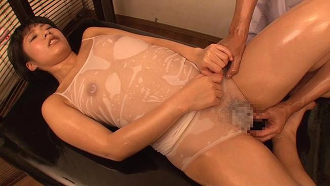 【おっぱい】オイルマッサージで性欲まで解消する女性のおっぱい画像がエロすぎる!【30枚】 23