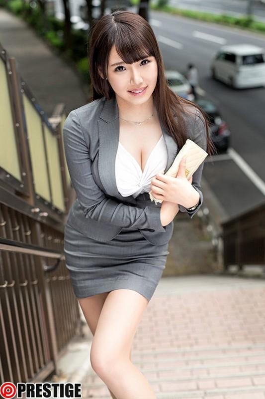 【おっぱい】頑張って働くも制服を脱げばエッチな体をしている働く女性のおっぱい画像がエロすぎる!【30枚】 24