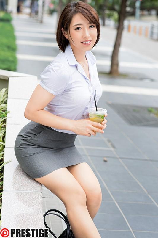 【おっぱい】頑張って働くも制服を脱げばエッチな体をしている働く女性のおっぱい画像がエロすぎる!【30枚】 26
