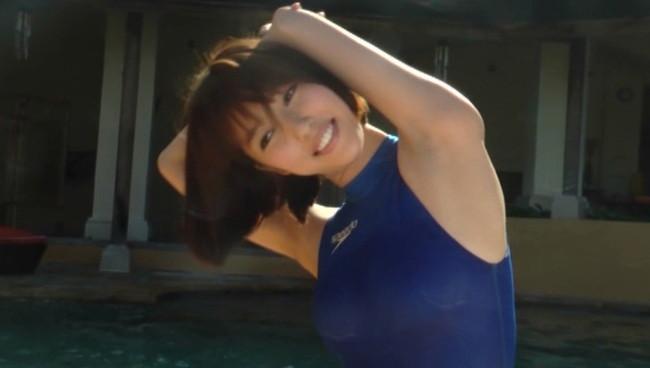 【おっぱい】競泳水着を着て微笑んでいるグラビアアイドルたちのおっぱい画像がエロすぎる!【30枚】 30