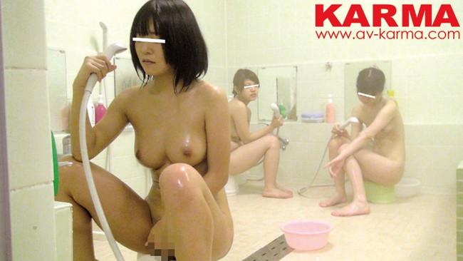 【おっぱい】修学旅行の女風呂で撮られちゃっている女の子たちのおっぱい画像がエロすぎる!【30枚】 16