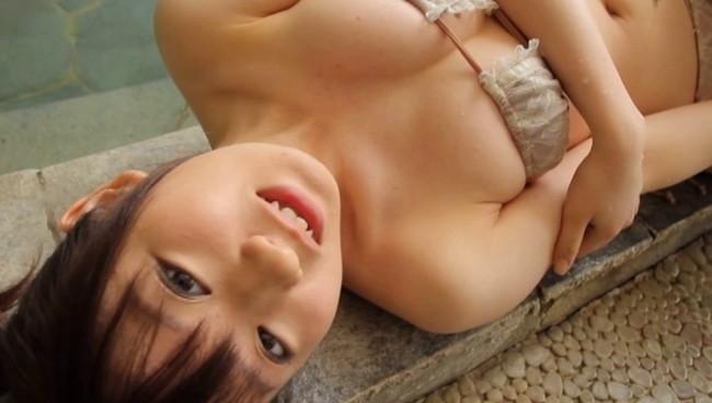【おっぱい】温泉で癒されているグラビアアイドルたちのおっぱい画像がエロすぎる!【30枚】 18