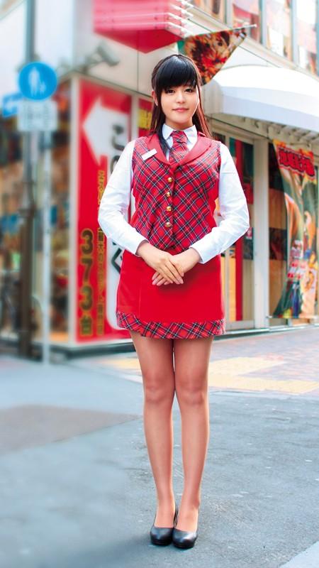 【おっぱい】営業の合間にエッチなことをしちゃったパチンコ店員の女の子のおっぱい画像がエロすぎる!【30枚】 06