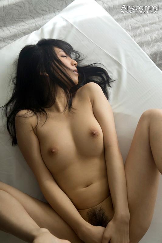 【おっぱい】ヌードの写真だけでも魅力的!ヌード写真のAV女優さんたちのおっぱい画像がエロすぎる!【30枚】 13